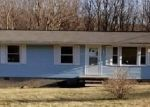 Foreclosed Home en KEFFER RD, Catawba, VA - 24070