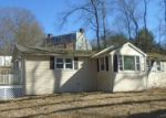 Foreclosed Home en DUCK HOLE RD, Madison, CT - 06443