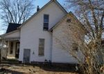 Foreclosed Home en W YERBY ST, Marshall, MO - 65340