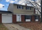 Foreclosed Home en GRAYFRIARS AVE, Holt, MI - 48842