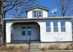 Foreclosed Home en OAKLEY AVE, Baltimore, MD - 21215