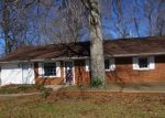 Foreclosed Home en OAK GROVE DR, Madison Heights, VA - 24572