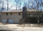 Foreclosed Home en NE 2ND ST, Blue Springs, MO - 64014