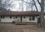 Foreclosed Home en CACTUS DR, Belton, MO - 64012