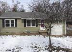 Foreclosed Home en E 56TH TER, Kansas City, MO - 64133
