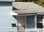 Foreclosed Home en LONGMEADOW DR, Waterbury, CT - 06706