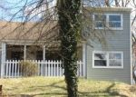 Foreclosed Home en NEWPORTVILLE RD, Levittown, PA - 19056