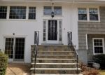 Foreclosed Home en BREEZY HILL RD, Stamford, CT - 06903