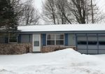 Foreclosed Home en LENORA DR, West Bend, WI - 53090