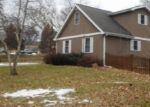 Foreclosed Home en N CRESTWOOD AVE, Mchenry, IL - 60051
