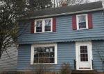 Foreclosed Home en CASTLETON RD, Cleveland, OH - 44121