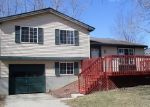 Foreclosed Home en GRENVILLE LN, Lansing, MI - 48911
