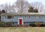 Foreclosed Home en COLUMBINE LN, Norwalk, CT - 06851