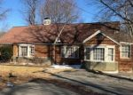 Foreclosed Home en MAIN ST, Trumbull, CT - 06611
