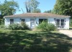 Foreclosed Home en SAINT PAUL DR, East Saint Louis, IL - 62206