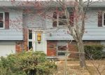 Foreclosed Home en W CHAMPAIN ST, Eldon, MO - 65026