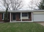 Foreclosed Home en GLENCLIFF DR, Maryland Heights, MO - 63043