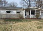 Foreclosed Home en COVE LN, Saint Louis, MO - 63138