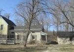 Foreclosed Home en CONGRESS DR, West Bend, WI - 53095