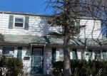 Foreclosed Home en W GLENDALE AVE, Milwaukee, WI - 53209