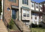 Foreclosed Home en SAVANNAH DR, Woodbridge, VA - 22193