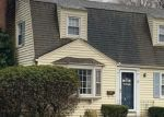Foreclosed Home en BARTON ST, West Hartford, CT - 06110