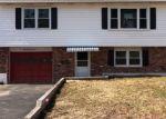 Foreclosed Home en CIRCULAR AVE, Waterbury, CT - 06705