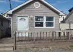 Foreclosed Home en CENTER PL, Staten Island, NY - 10306