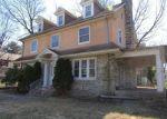 Foreclosed Home en N LANSDOWNE AVE, Lansdowne, PA - 19050
