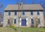 Foreclosed Home en SILVER BROOK LN, Torrington, CT - 06790