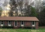 Foreclosed Home en EVANRUDE LN, Sandston, VA - 23150