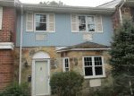 Foreclosed Home en GLEN HOLLOW DR, Holtsville, NY - 11742