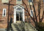 Foreclosed Home en WHITNEY AVE, Hamden, CT - 06518