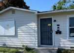 Foreclosed Home en E CYPRESS AVE, Visalia, CA - 93292