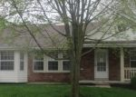 Foreclosed Home en MIDFIELD TER, Saint Louis, MO - 63146