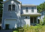 Foreclosed Home en BENHAM ST, Waterbury, CT - 06708