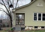 Foreclosed Home en E 67TH TER, Kansas City, MO - 64132