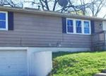Foreclosed Home en NE 39TH ST, Kansas City, MO - 64117