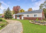 Foreclosed Home en EDGEWOOD ST, Clinton Township, MI - 48036