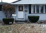 Foreclosed Home en PLUMMER ST, Essexville, MI - 48732