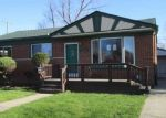 Foreclosed Home en BARTON ST, Saint Clair Shores, MI - 48081
