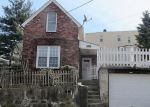 Foreclosed Home en WALNUT ST, Yonkers, NY - 10701
