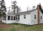 Foreclosed Home en POND HILL RD, Wallingford, CT - 06492