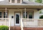 Foreclosed Home en CHARLES ST, Fredericksburg, VA - 22401