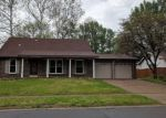 Foreclosed Home en ARDMORE DR, Florissant, MO - 63033