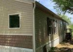 Foreclosed Home en SUGARTOWN RD, Crestview, FL - 32536