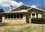 Foreclosed Home en ELMERINE AVE, Jefferson City, MO - 65101