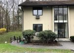 Foreclosed Home en GIBBS ST, Winsted, CT - 06098