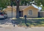 Foreclosed Home en W DOUGLAS ST, Tampa, FL - 33607
