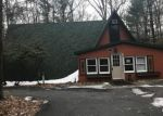 Foreclosed Home en MATTERHORN RD, Henryville, PA - 18332